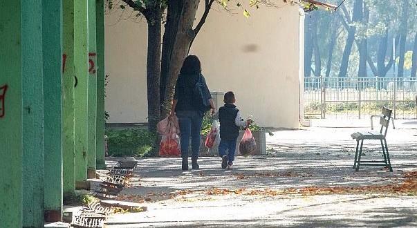 Naknade za majke troje i više djece u BiH