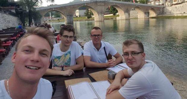 Stonoteniseri Mladosti nakon pobjede u Mostaru