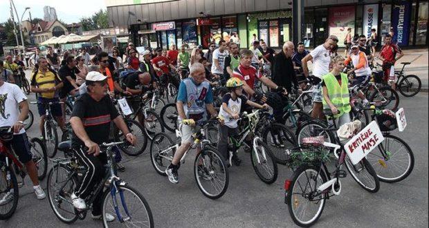 treća kritična masa - bicikliti u Ze (8)
